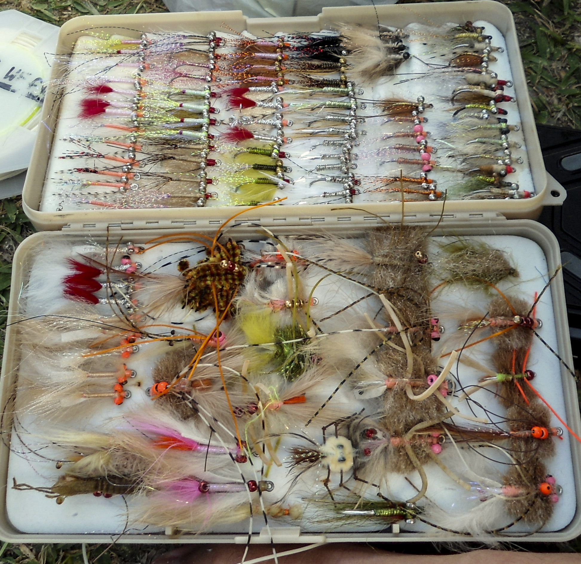 Older flats box, a few crabs but an overwhelming presence of more traditional flats flies and even a couple of Avalons.