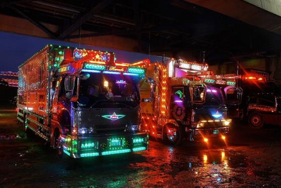 Art-Trucks-of-Japan-e1288758491449